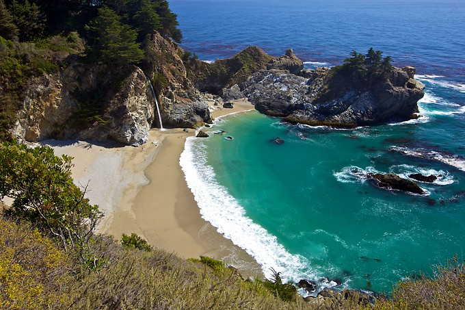 The ever-amazing McWay Falls in Julia Pfeiffer Burns State Park. While we were there, we watched a young couple (illegally) make their way down onto the beach. If you zoom in on the larger version of this shot, you can see them on beach to the right of the falls. Everyone tsked them while they were climbing down, but then everyone was jealous once they were running around on the beach. It did look pretty cool, although I imagine the price of the ticket you'd pay if caught would not be very cool.