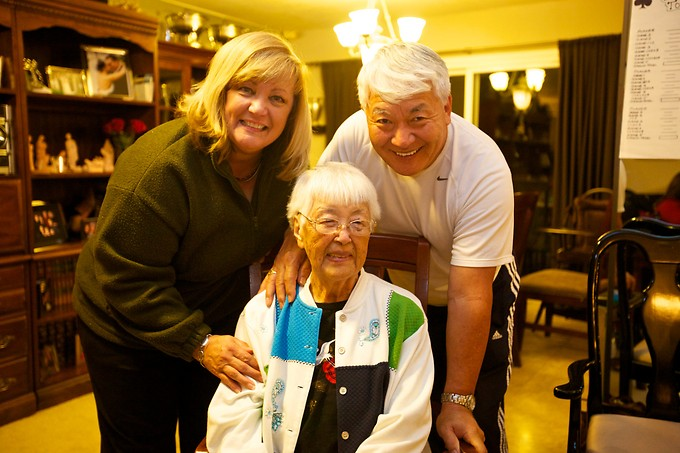 Mom & Sher with Grandma Takahashi.