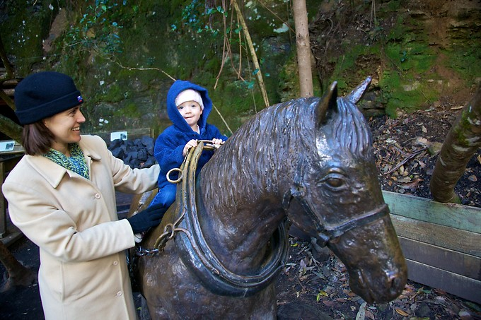Naomi with a statue of one of the ponies used in the extensive coal and oil shale mining done in the Blue Mountains in the 1880's.